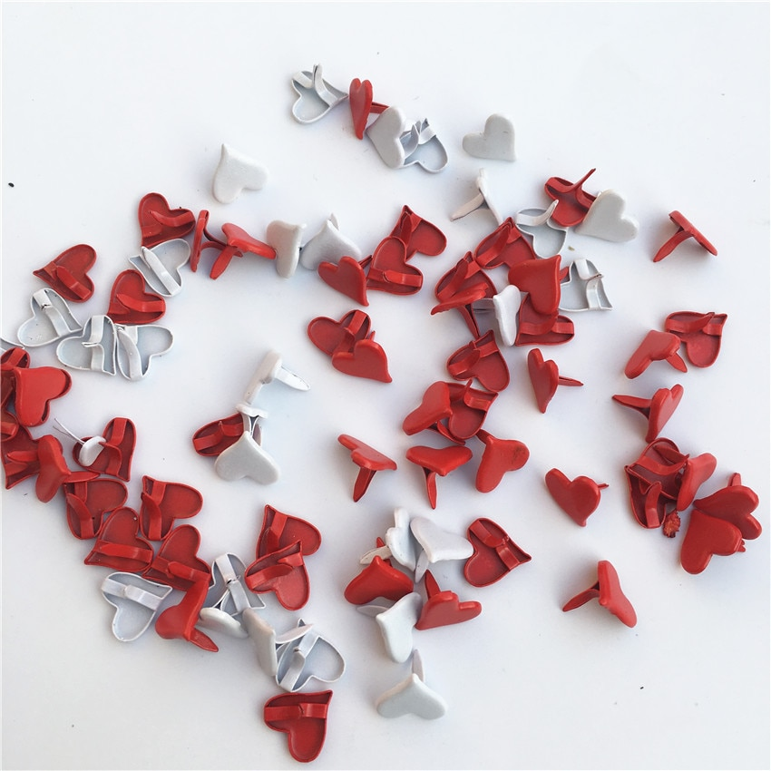 50 pçs/lote 11mm Vermelho/branco Pastel de Metal Heart-shaped Fastener Brads Scrapbooking Enfeite DIY Fontes do Ofício