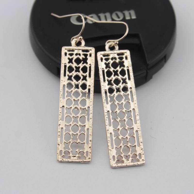 Cut off Magnolia Quatrefoil Filigree Bar Dangle Teardrop Earrings for Women New Spring Fashion Accessories