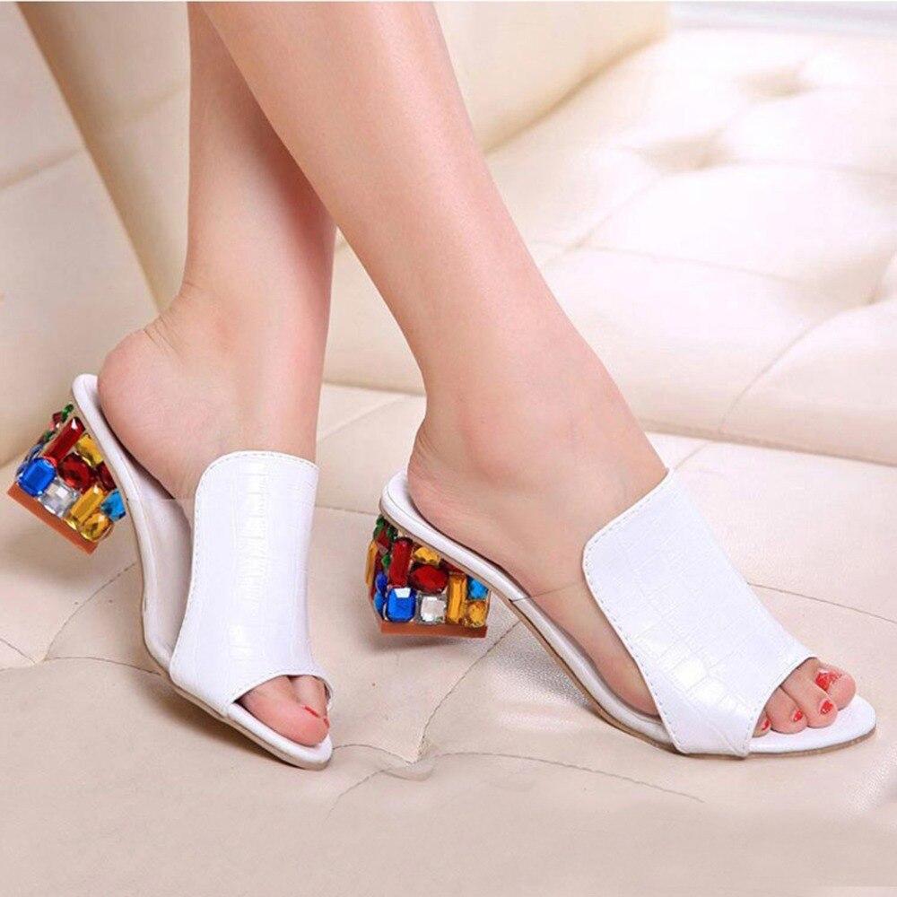 Sandalias de verano para mujer, sandalias de piel coloridas con cristales de imitación para mujer, zapatos con tacón cuadrado, zapatillas de mujer con punta abierta
