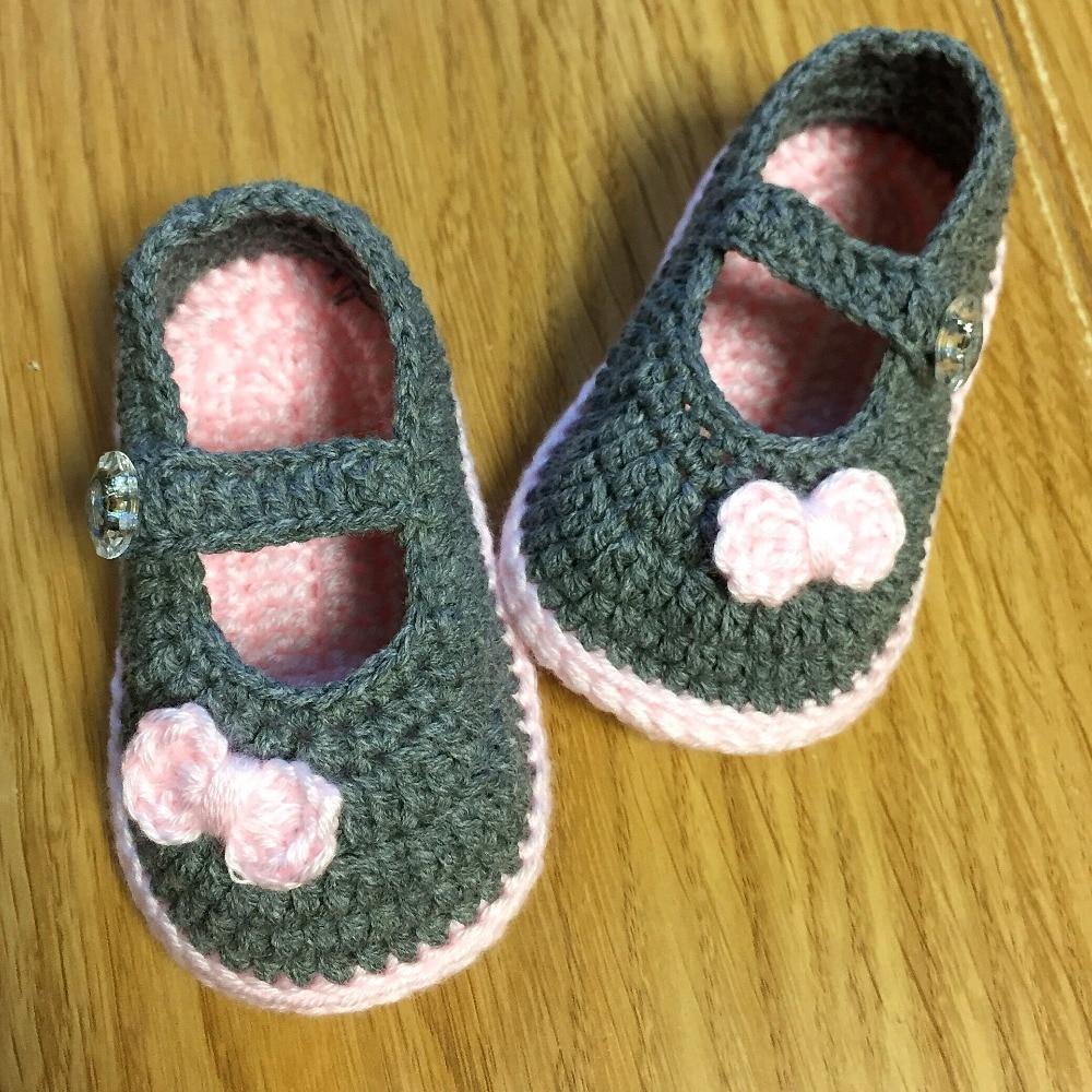 Zapatos de bebé hechos a mano QYFLYXUE, elementos de pajarita, zapatos de fondo blando, calzado para jardín para niños