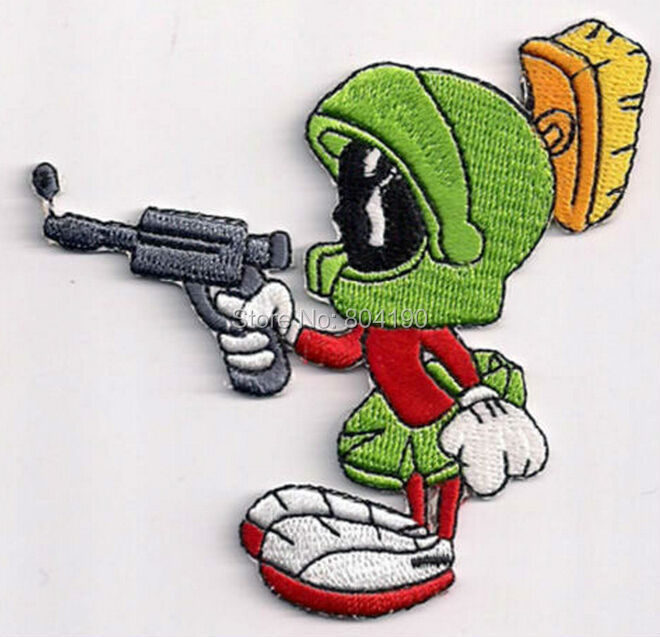 """3 """"Looney Tunes Marvin el marciano apuntando Raygun figura Series de dibujos animados aplique de estilo rockabilly punk coser/hierro en parche"""