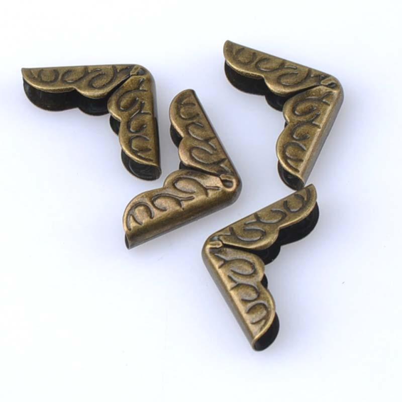 50 Uds. Metal bronce libro esquina Trilateral álbumes menús carpetas protectores de esquinas para cajas para decoración 16x16x3mm CP1577