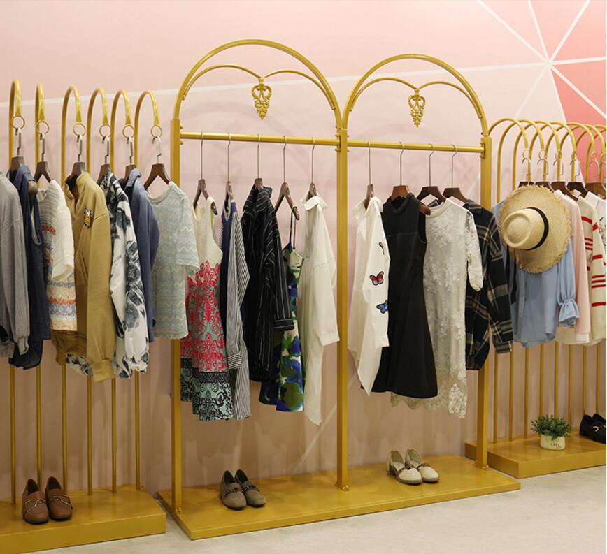 Golden display rack for clothes rack in Zhongdao clothing store, display rack for women's clothes store with landing personality