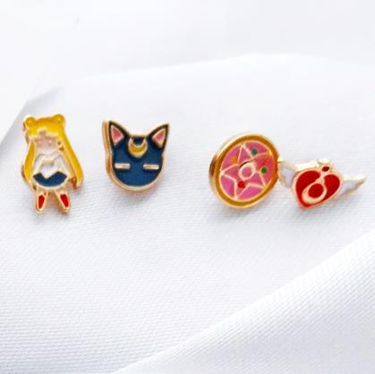 Dibujos Animados Anime Sailor Moon Luna gato Stud pendientes periferia Prop accesorios personalización pendiente de aleación conjunto
