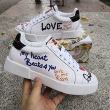 Buchstaben Graffiti Sneakers Frau Echtem Leder Plus Größe Floral Frau Casual Schuhe Handgemachte Tennis Wohnungen Feminin Weiß Schuhe