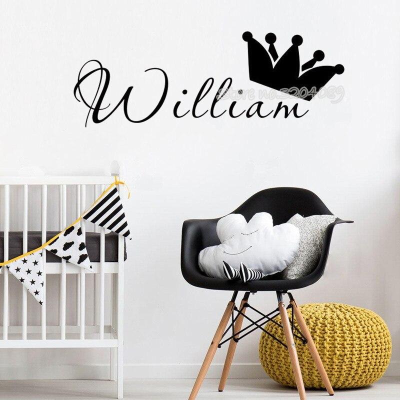 Pegatina de pared de la corona del Rey y la Reina, calcomanías personalizadas para cualquier nombre de los niños, calcomanías personalizadas de vinilo para cuarto de niños, papel tapiz decorativo para el hogar, póster EB472