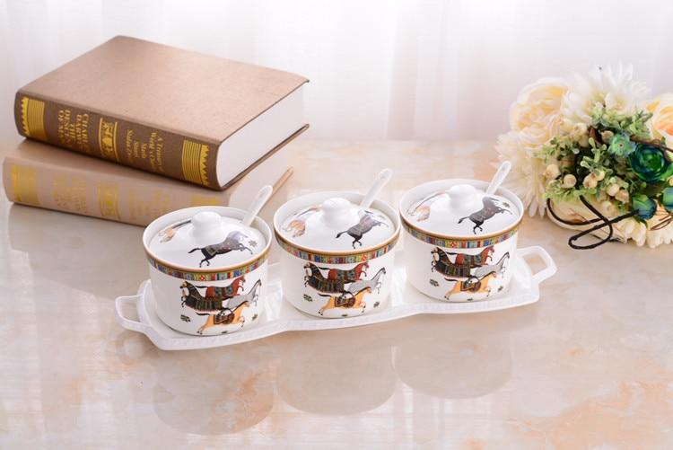 (4pcs/Set) Kitchen Tools Ceramic Spice Jar Horse Seasoning Pot Salt Condiment Cruet Storage Pots