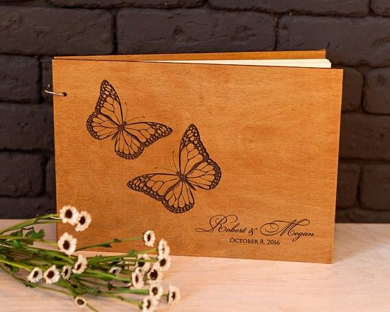Libro de Visitas de boda Libro de Visitas rústico libro de invitados de madera amor mariposas grabado personalizado libro de invitados único libro de invitados de boda ideas