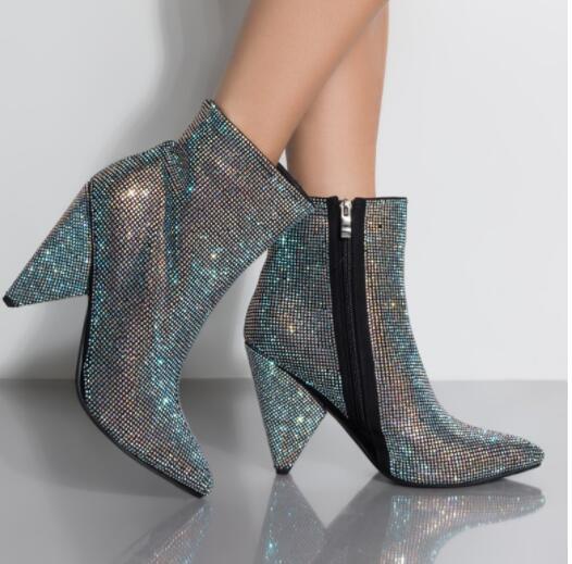 Moda Completa Strass Mulheres Outono Inverno Apontou Toe Ankle Boots de SALTO Sapatos de Marca De Cristal TRIÂNGULO Tamanho 35-43