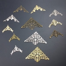 20 Stks/partij Driehoek Kite Metalen Filigraan Bloemen Slice Charms Basisafstelling Sieraden Diy Componenten Doos Ambachten Cosplay Accessoires