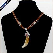 Vintage Vrouwen Mannen Tibet Sieraden Amulet Real Bruin Wolf Tanden Fangs Canine Hanger Surfer Touw Ketting Ketting Verstelbare NG015