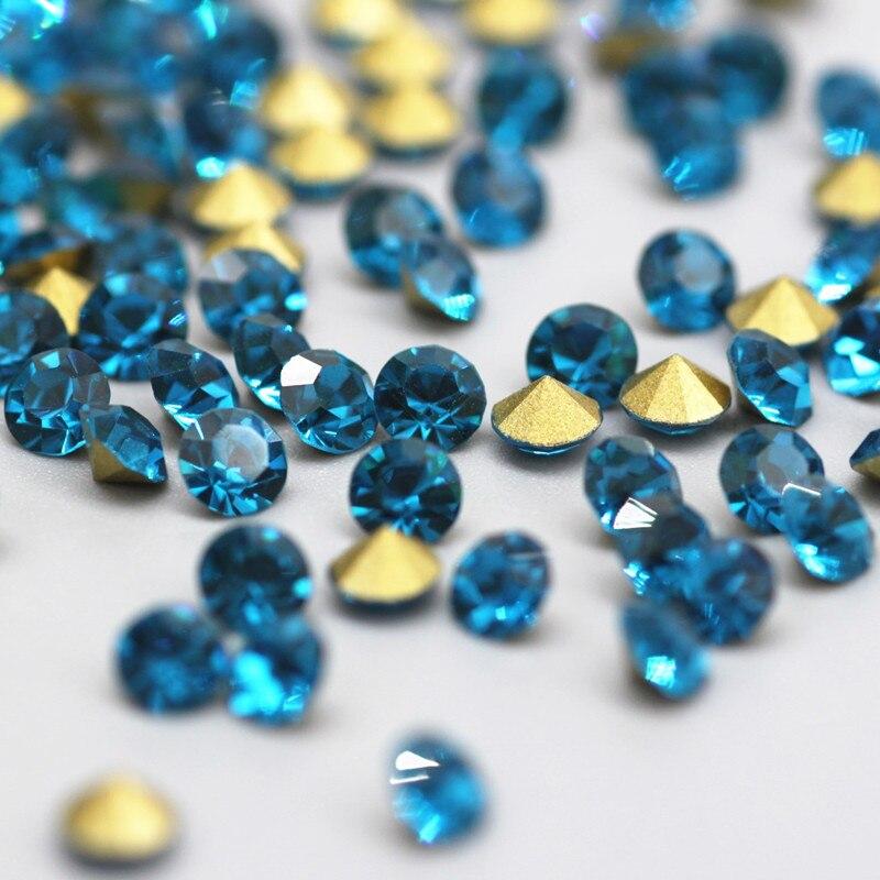 Überlegene qualität Runde pfau blau mit sharp bottom Strass Nail art Kristall Strass Kleidung Kleid Applique Dekoration