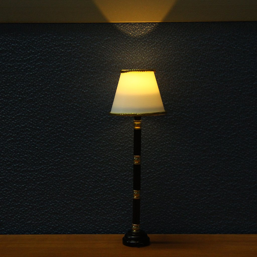 Branco 1/12 dollhouse miniatura led luz interruptor lâmpada de assoalho empresas rádio