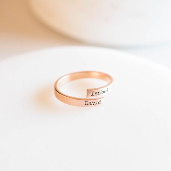 FYR888 Heißer Verkauf Spezielle Fashion New Custom Name Personalisierte Brief Einstellbare Dainty Initialen Wrap Ring Beste Geschenk für Freund