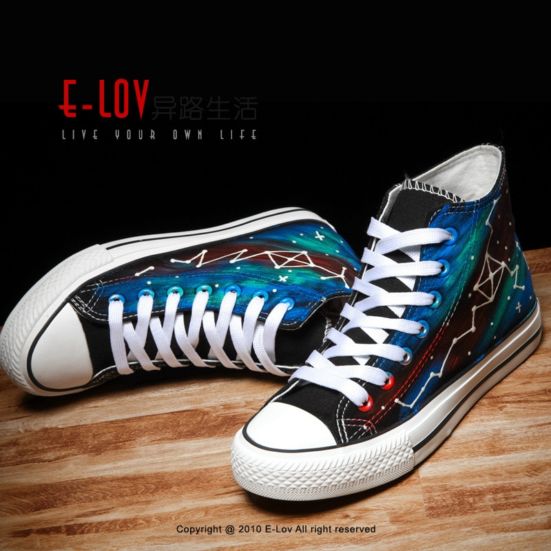 Hand painted night light star sky Fashion High Top Sneakers Canvas Shoes men Flat Female Basket SolidTrainers Chaussure