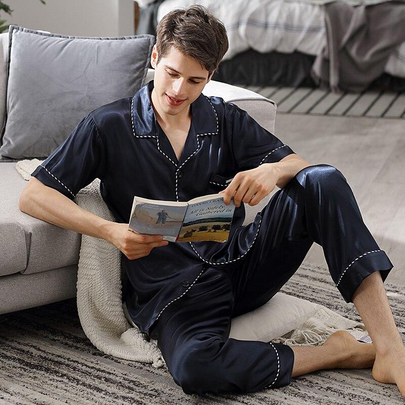 Мужские% 27 пижамы лето лед шелк с коротким рукавом длинные брюки из двух частей комплекты шелк атлас тонкие стиль пижамы мужские темно-синие синие X90010