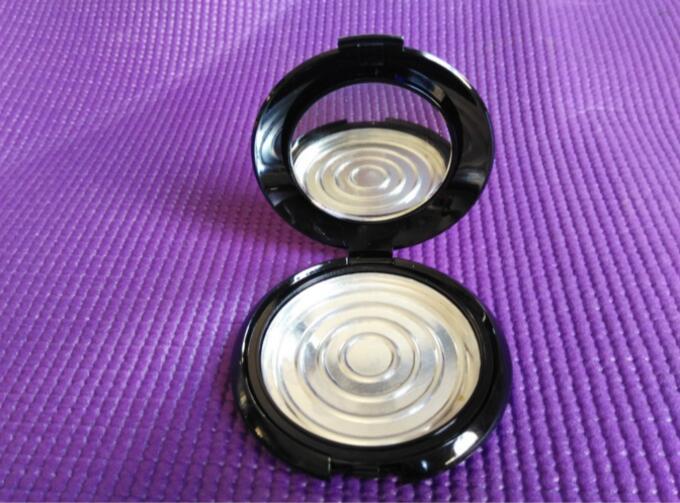 Compacto cosmético vacío de 10g con espejo para polvo mineral, embalaje de cosméticos negros de 10g, fundas compactas vacías de 10 ml