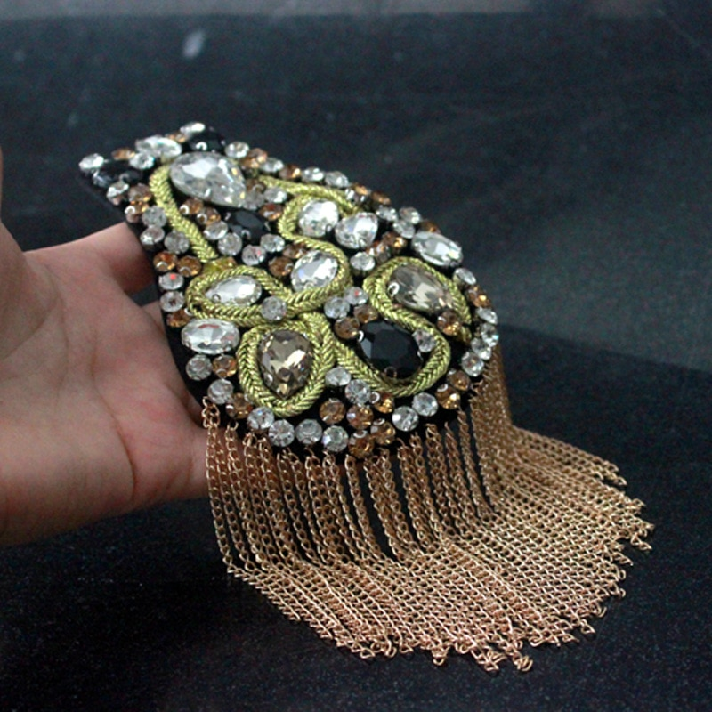 Hecho a mano de moda borla cadena parche Placa de hombro insignias tela Metal Epaulette pin militar en broche medalla