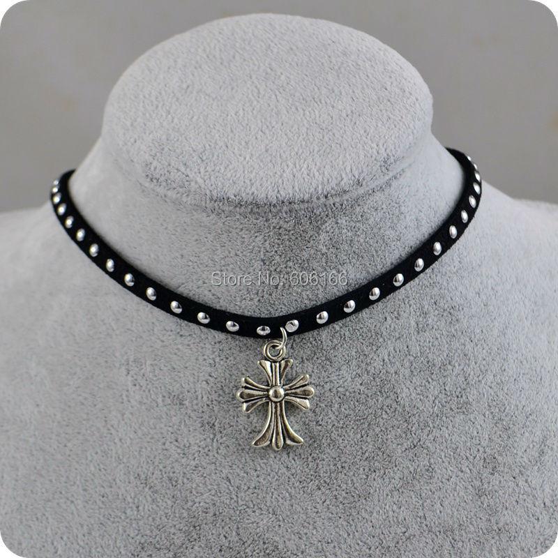 Gargantilla de ante de terciopelo Punk Rock, collar con colgante de cruz de plata, joyería de moda para mujer