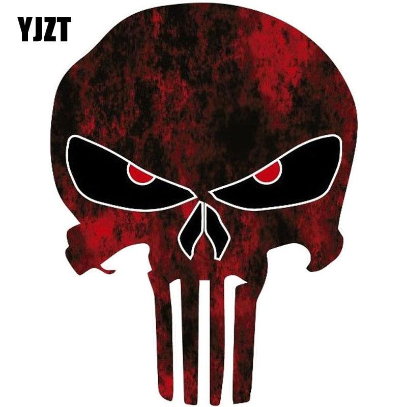 YJZT 10.6CMX14CM punisseur crâne rouge Fun réfléchissant voiture autocollants moto accessoires C1-6033