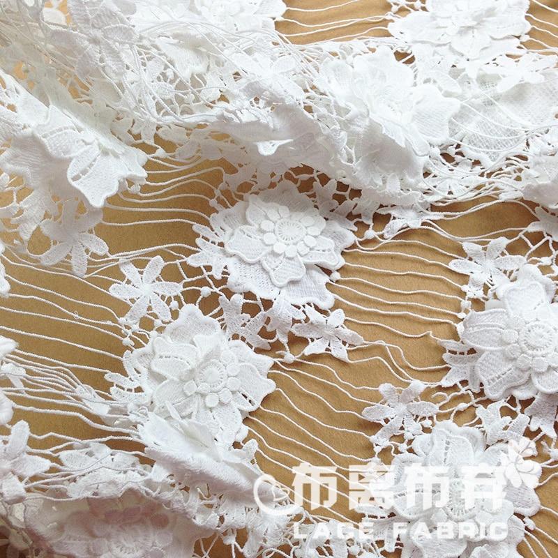 Tela de seda de leche soluble en agua de encaje borla applique recorte tridimensional flores ropa tela