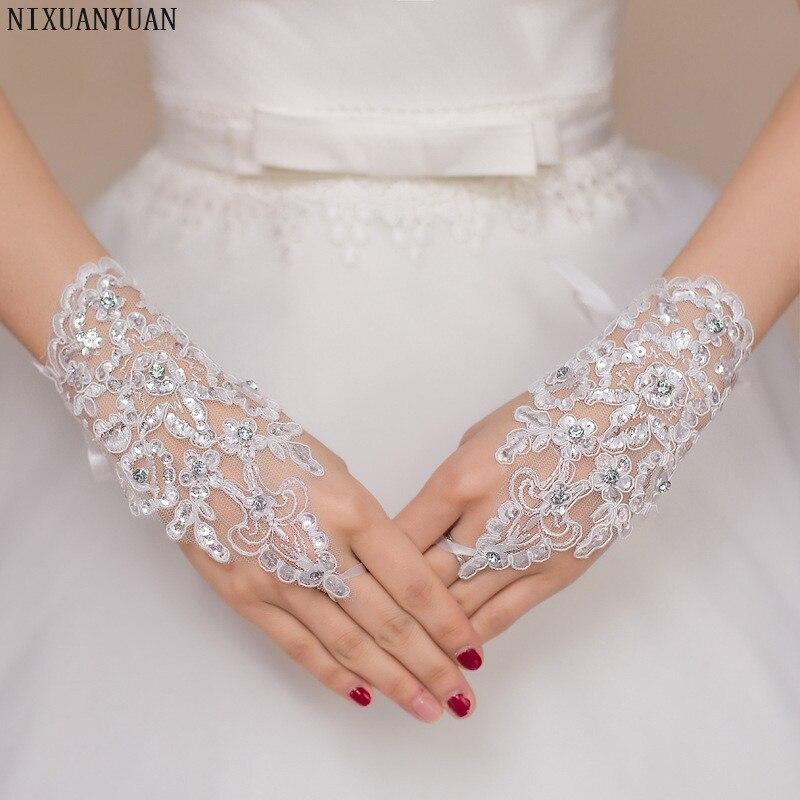 Elegáns gyöngyös csipke szatén rövid menyasszonyi kesztyű, - Esküvői tartozékok - Fénykép 4