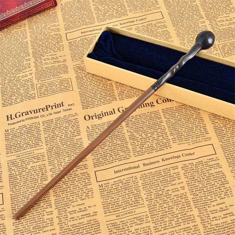 Las más nuevas varitas mágicas Remus Lupin de la película de Harri de la más nueva calidad del núcleo metálico/palo con el embalaje de la caja de regalo