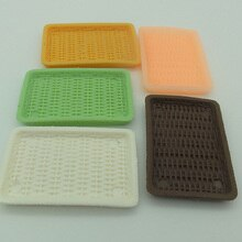 6 unids/lote canasta de caña de resina 52mm Mini plato de servir Bandeja de postres vajilla casa de muñecas accesorios miniaturas Cocina