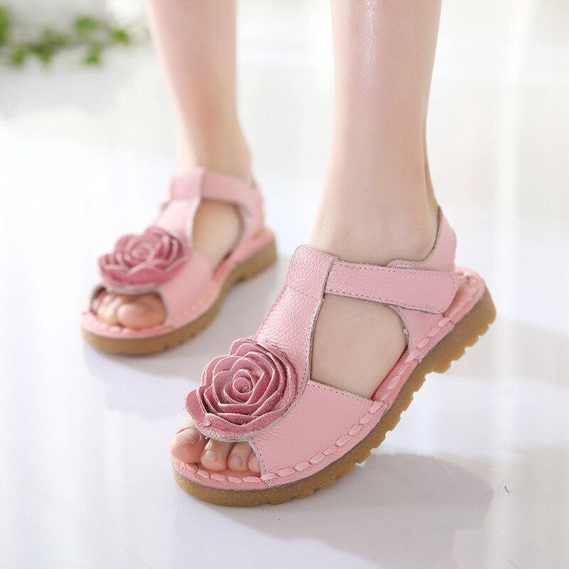 Обувь для девочек из натуральной кожи, летние сандалии для маленьких девочек, пляжная обувь, нескользящая обувь с цветочным принтом для дет...