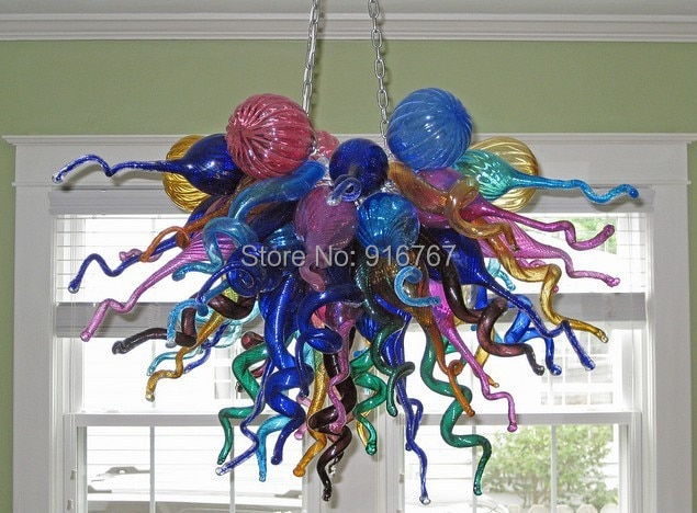 Bonitos candelabros artísticos de iluminación para el hogar