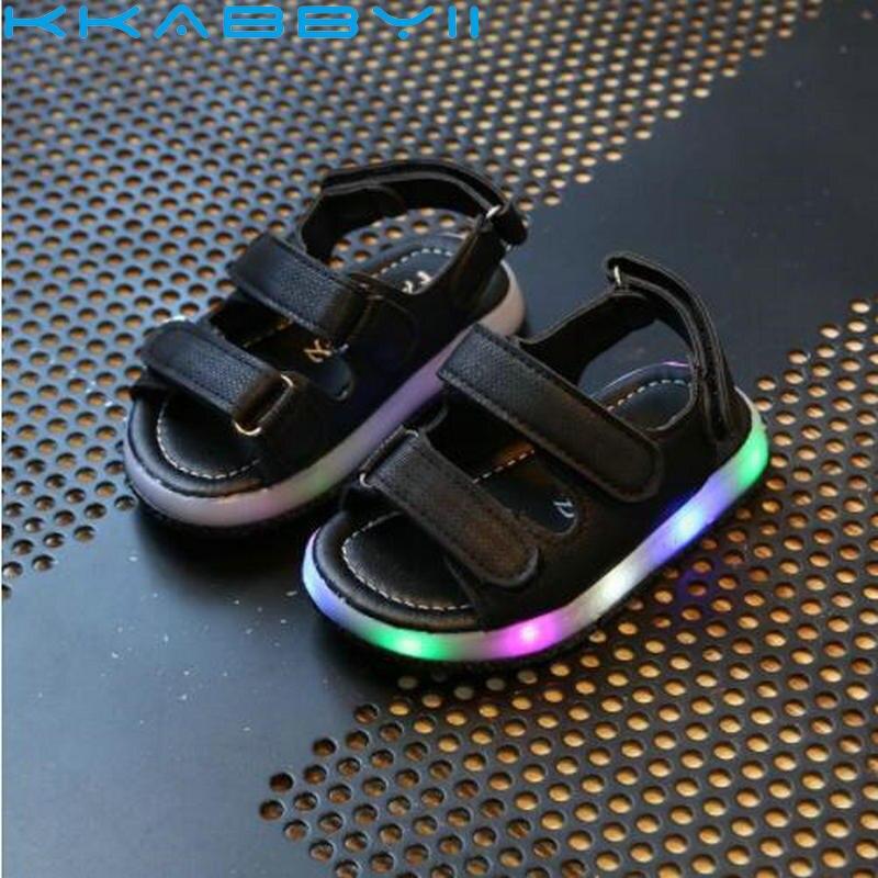 Новинка; летние детские светящиеся сандалии с подсветкой; Спортивная повседневная легкая обувь для мальчиков и девочек; детская обувь на плоской подошве; Детские пляжные кожаные сандалии