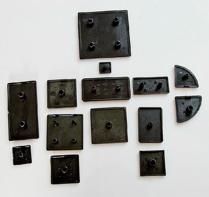 Wkooa غطاء طرف بلاستيكي ملحقات الألومنيوم الشخصي الأسود لعام 4545