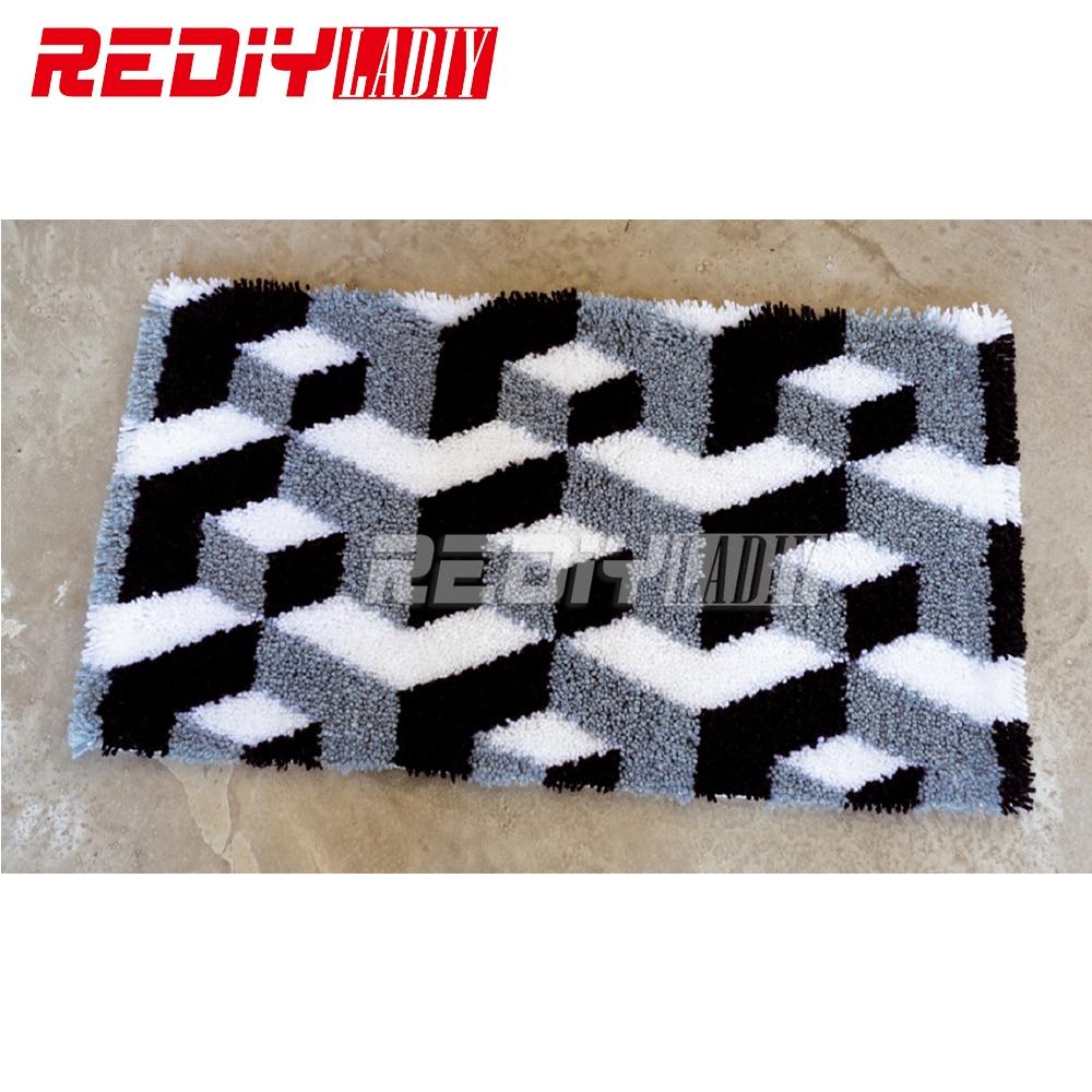 Latch Hook Rug Kits Smile 3D Hourse DIY Needlework Unfinished Crocheting Rug Yarn Cushion Mat Home Decor Embroidery Carpet Rug