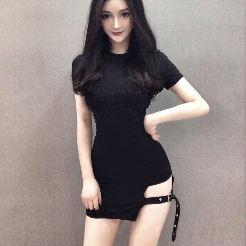 Mujeres Bodycon Mini Vestido corto gótico Punk negro tubo Bodycon vestido de talla grande 2019 mujeres Sibybo Hollow Knit Streetwear 803-627