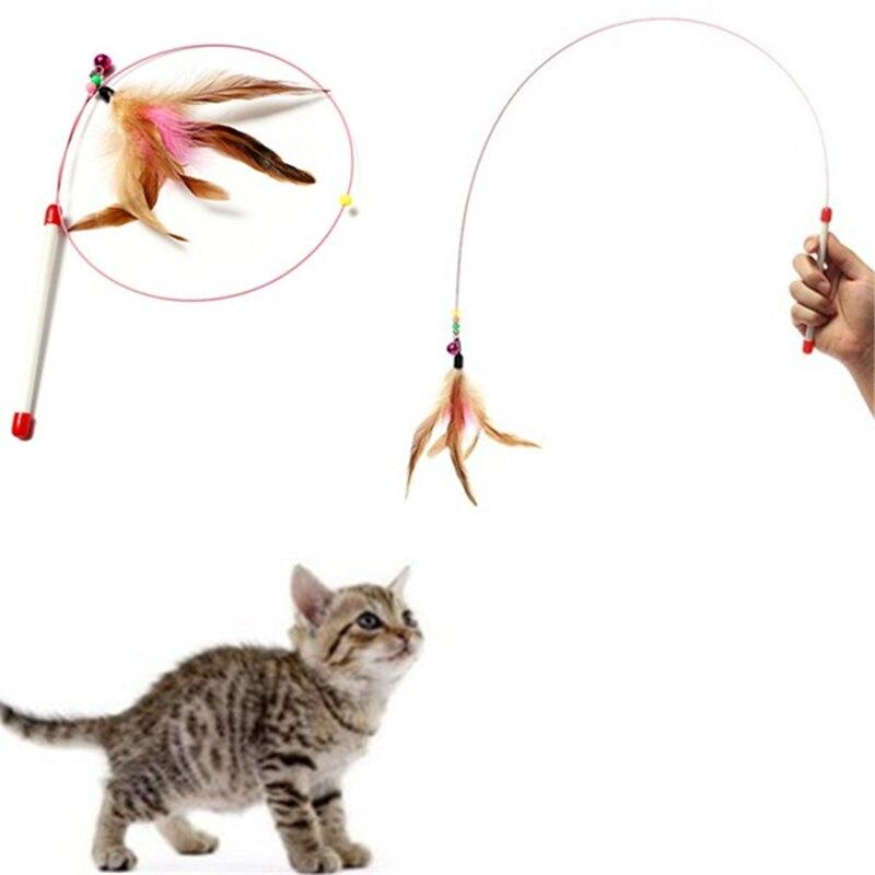 Nova Chegada Penas Coloridas Aleatórias Gatos Engraçados Wire Rods Voar Sino Brinquedo Bonito Design para Produtos Para Animais de Estimação Gatos Favoritos