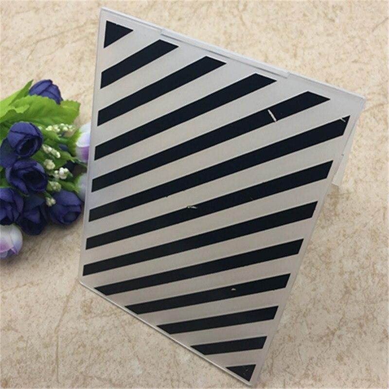 Dossier de gaufrage en plastique à rayures diagonales pour Scrapbook Album de bricolage outil de carte modèle en plastique