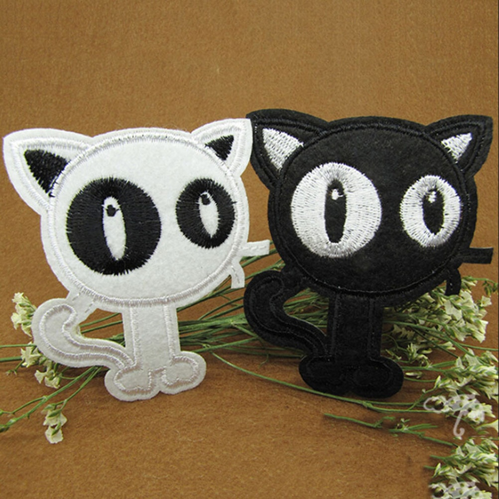Cartoon Cat DIY Patchwork Fabric Patches White Black Cat Embroidered Patches For Clothes Wedding Dress Clothing