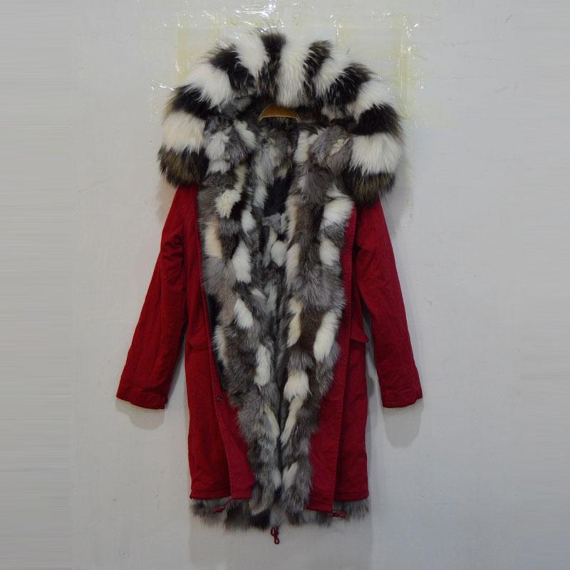 Chaqueta larga roja sra. zorro negra y blanca interior con abrigo de piel de mapache Mr Furs parka