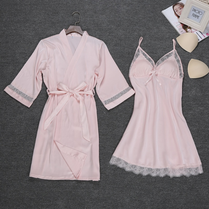 Комплект женский из двух предметов пикантный халат и ночная рубашка комплект