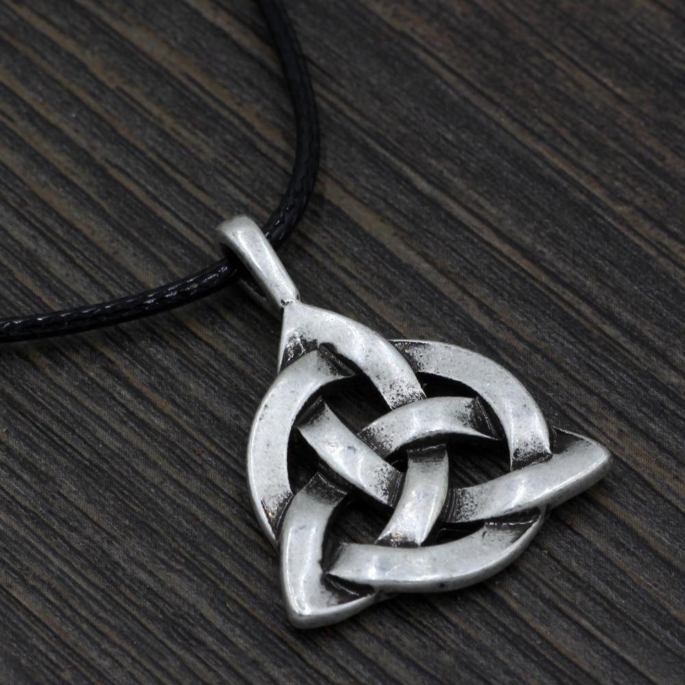 youe shone Viking Triquetra Trinity Knot Norse Necklace Irish Scandinavian Pewter Pendant
