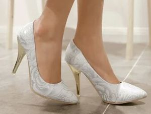 2015 new fashion single shoes lace flower fabric pointed toe shoes women's plus size 34 46 47 shoes ultralarge wedding shoes