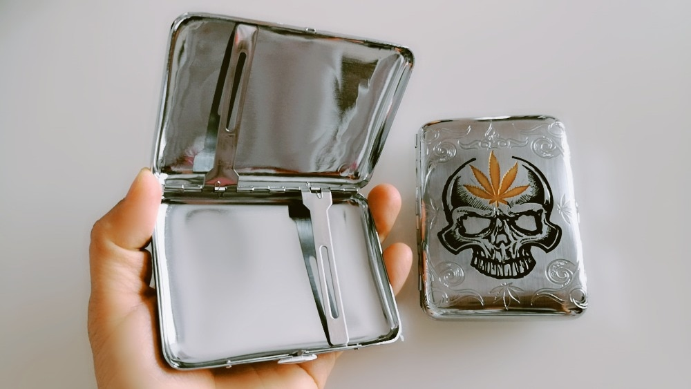 5pcs/lot thin High-grade mirror silver cigarette case creative skull metal tobacco cigarette storage box pocket holder with clip enlarge