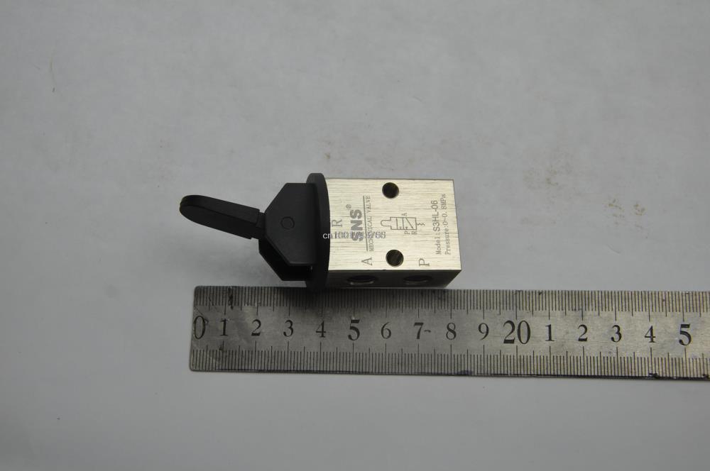 "S3HL-06 2 Position 3 Way Manual Solenoid Air Mechanical Valve PT 1/8"""