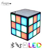 Nouveau cadeau Mini Cube magique coloré sans fil Portable Bluetooth haut-parleur LED Flash lumière avec carte TF mains libres