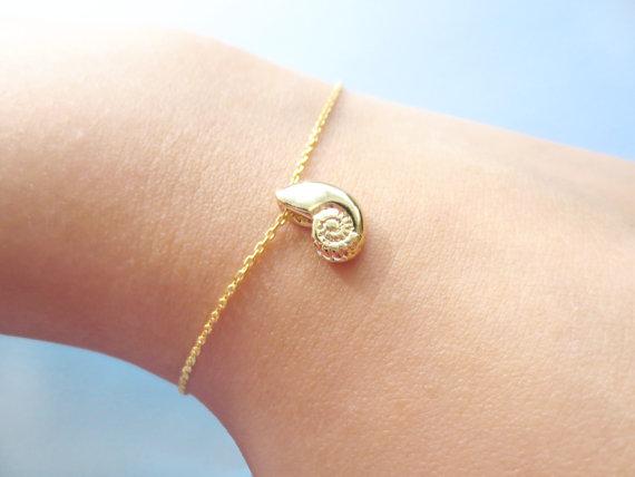Bonita pulsera de concha marina remolino en espiral, pulsera de caracol de mar, pulseras de concha de voz Ariel, pulseras de conchas de playa oceánica