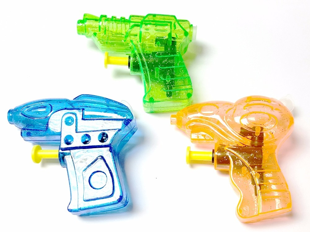 50 piezas 75mm 3 pistola de agua de diseño E194 juguetes para bodas Premio escolar cumpleaños fiesta favores Pinata bolsa relleno botín broma Carnaval