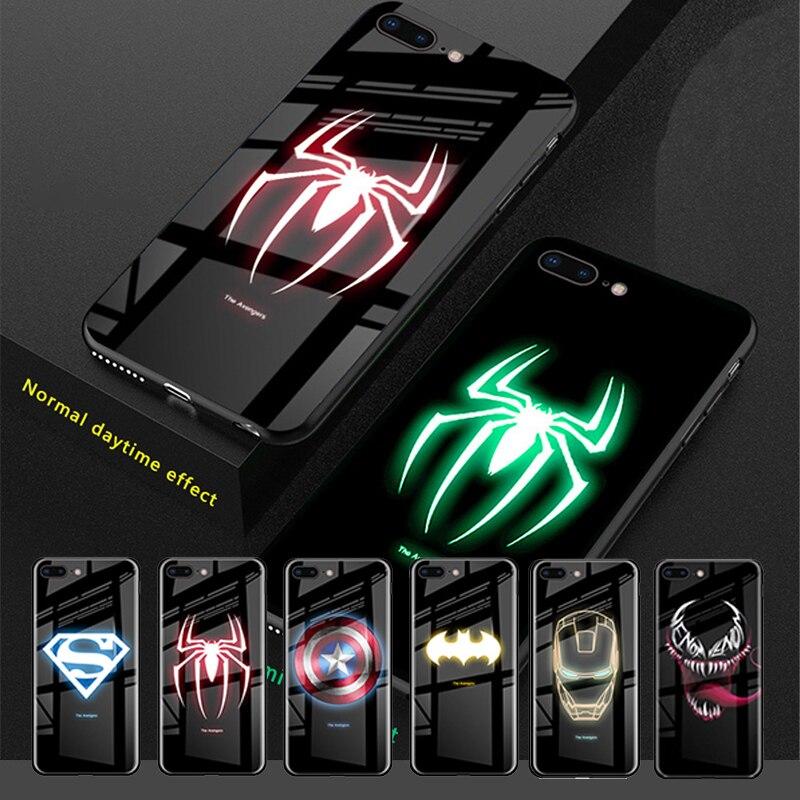 La funda de cristal luminoso brillante de los Vengadores para iPhone XS MAX XR 6 7 8 6 s Plus 7 plus 8 funda iluminada con logotipo de luz LED plus