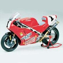 Assembler moto modèle 14063 1/12 Ducati 888 Superbike Racer