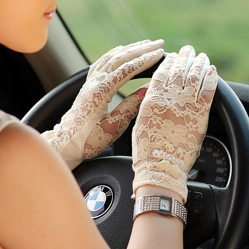 On Sale Fashion Women Sunscreen Gloves Female Lace Summer Five Finger Anti-UV Wrist Short Sun Driving Glove New Listing UV015D