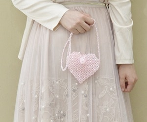 Angelatracy 2019 New Arrival Acrylic Handmade Beading Knit Mini Bag Cover Cute Heart Girl Coin Money Shoulder Bags Crossbody Bag